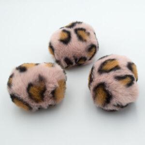Помпон из искусственного меха леопардовый пудра 8 см
