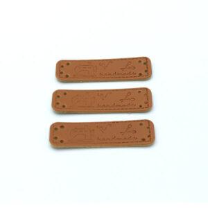 Нашивка кожаная 55×15 mm Hand Made Швейная машинка Ножницы коричневая